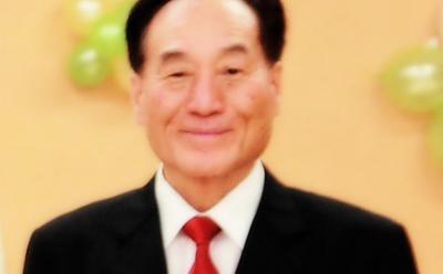 윤봉기 교장.PNG